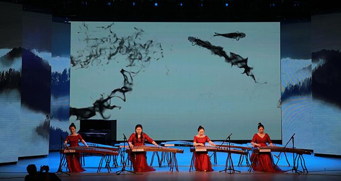 演员以吉林省非物质文化遗产传承基地赵峰古筝骨干教师及学员为主,一